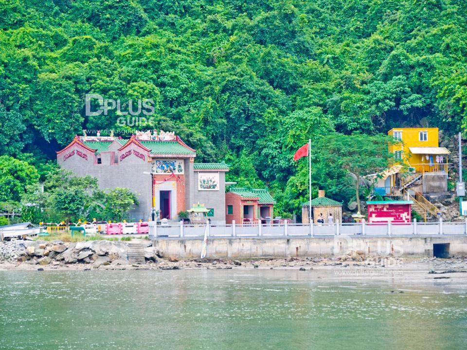วัดทินโห่ว (Tin Hau Temple) ฝั่งซอกกวูวาน (Sok Kwu Wan)