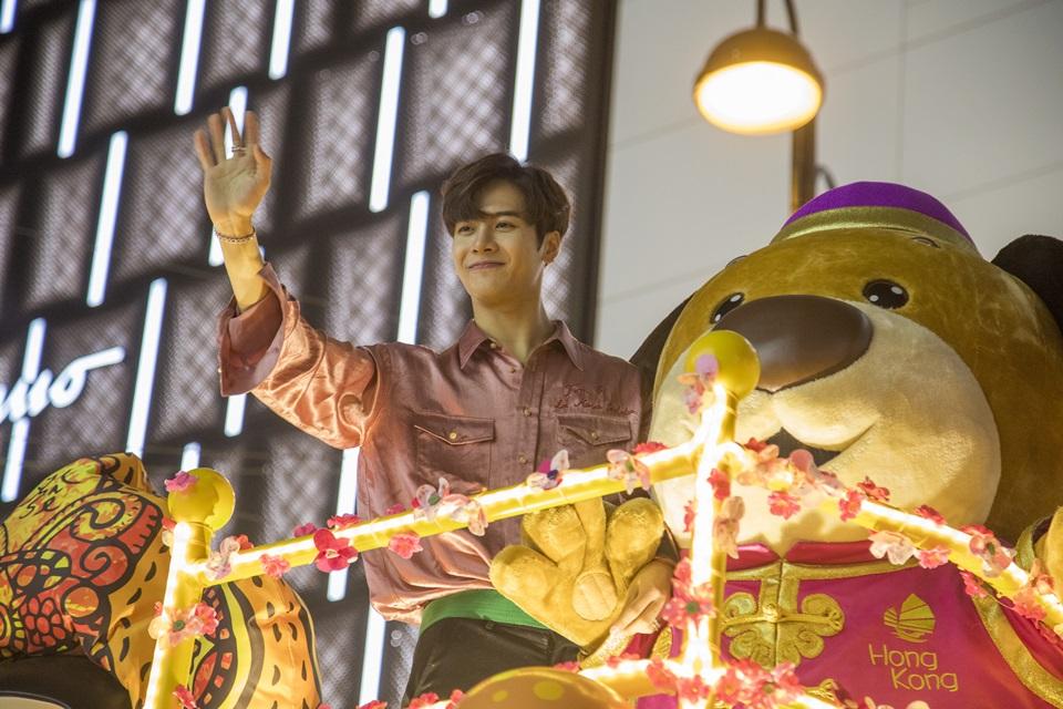 แจ็คสันเข้าร่วมขบวนพาเหรดของการท่องเที่ยวฮ่องกง