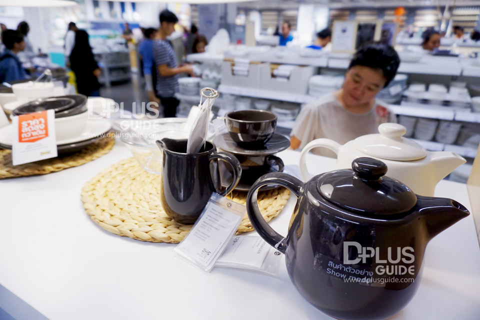 บริเวณชั้น 2 มาร์เก็ตฮอลล์ เครื่องใช้บนโต๊ะอาหารและอุปกรณ์เครื่องครัว
