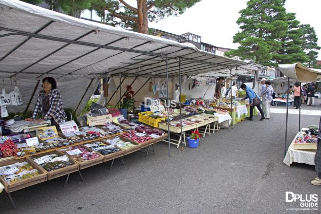 ตลาดเช้า Takayama Jinya