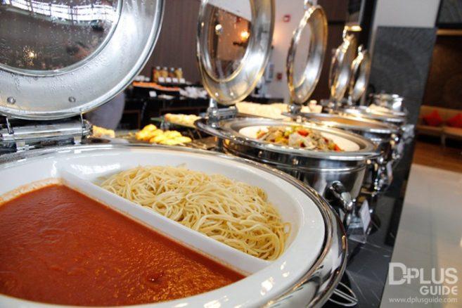 สปาเกตตี อาหารที่มีบริการใน MIRACLE LOUNGE มิราเคิล เลานจ์