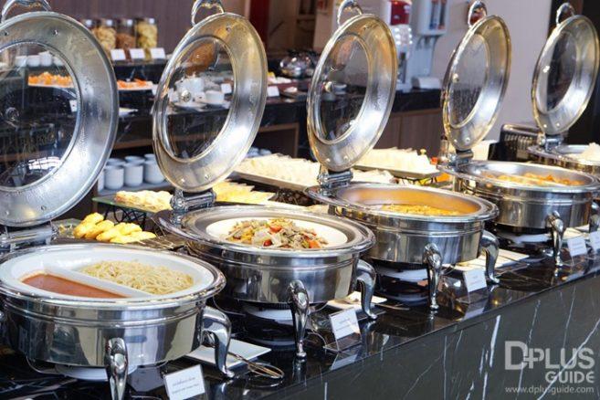 บรรยากาศและอาหาร ใน MIRACLE LOUNGE มิราเคิล เลานจ์สาขาดอนเมือง